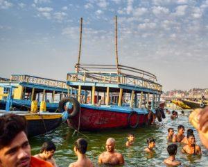 Pilgrims bathing in ganga river-kashi-varanasi